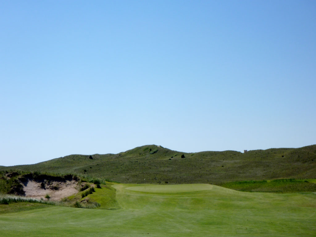 4th Hole at Sand Hills Golf Club (485 Yard Par 4)