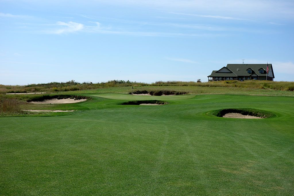 18th Hole at Wild Horse Golf Club (418 Yard Par 4)