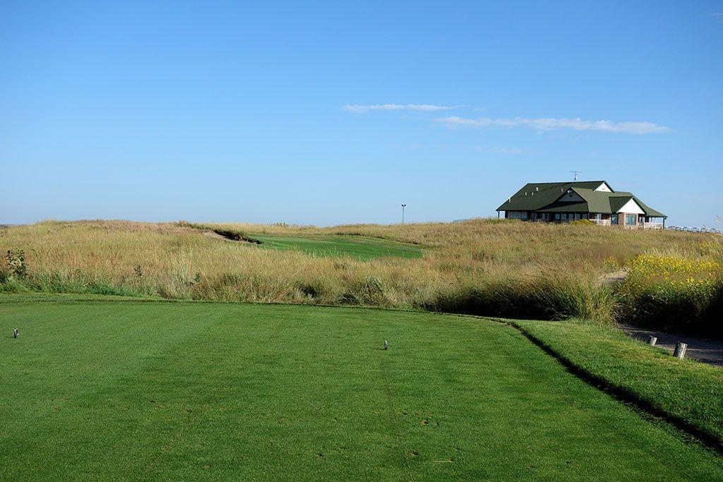 9th Hole at Wild Horse Golf Club (185 Yard Par 3)