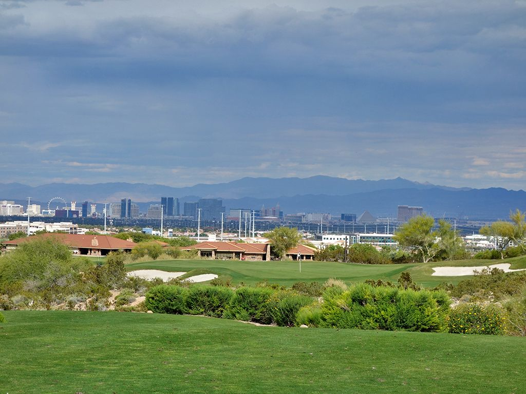 15th Hole at Bear's Best Las Vegas (230 Yard Par 3)