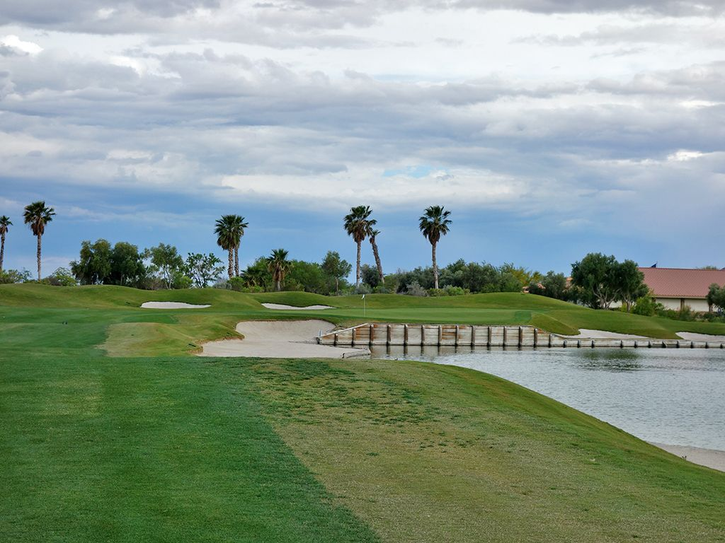 18th Hole at Bear's Best Las Vegas (463 Yard Par 4)