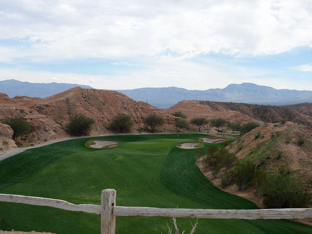 4th Hole at Conestoga Golf Club (394 Yard Par 4)