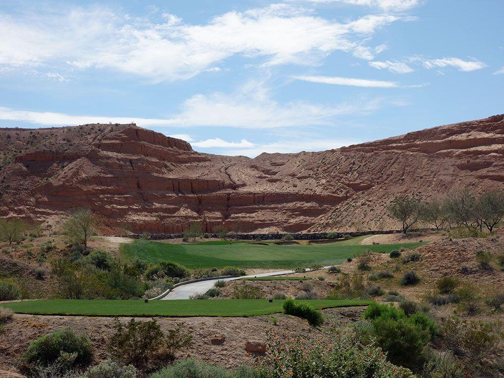 7th Hole at Conestoga Golf Club (324 Yard Par 4)