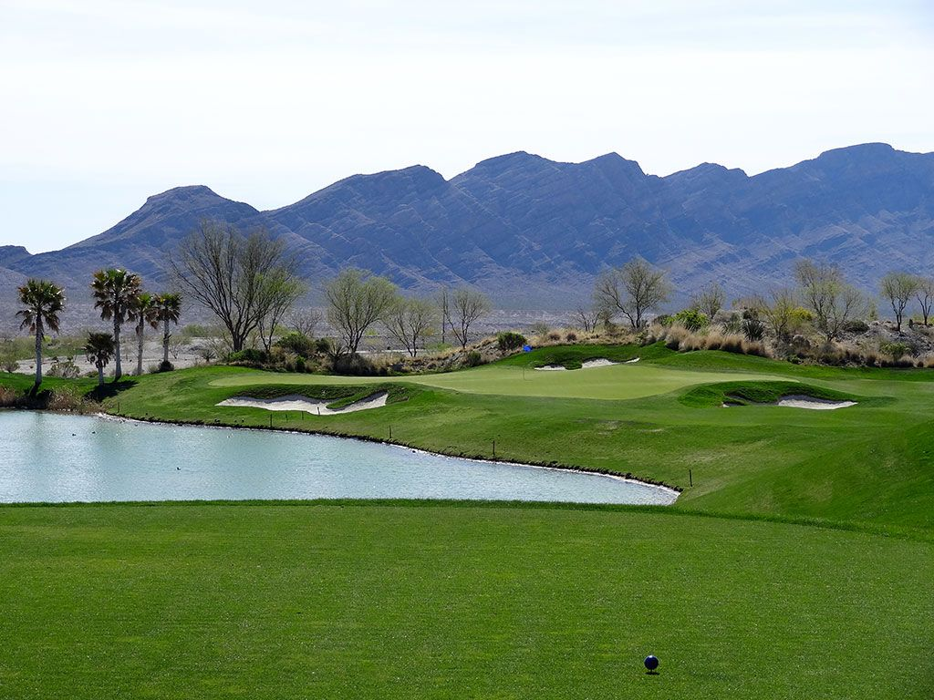 17th Hole at Coyote Springs Golf Club (170 Yard Par 3)