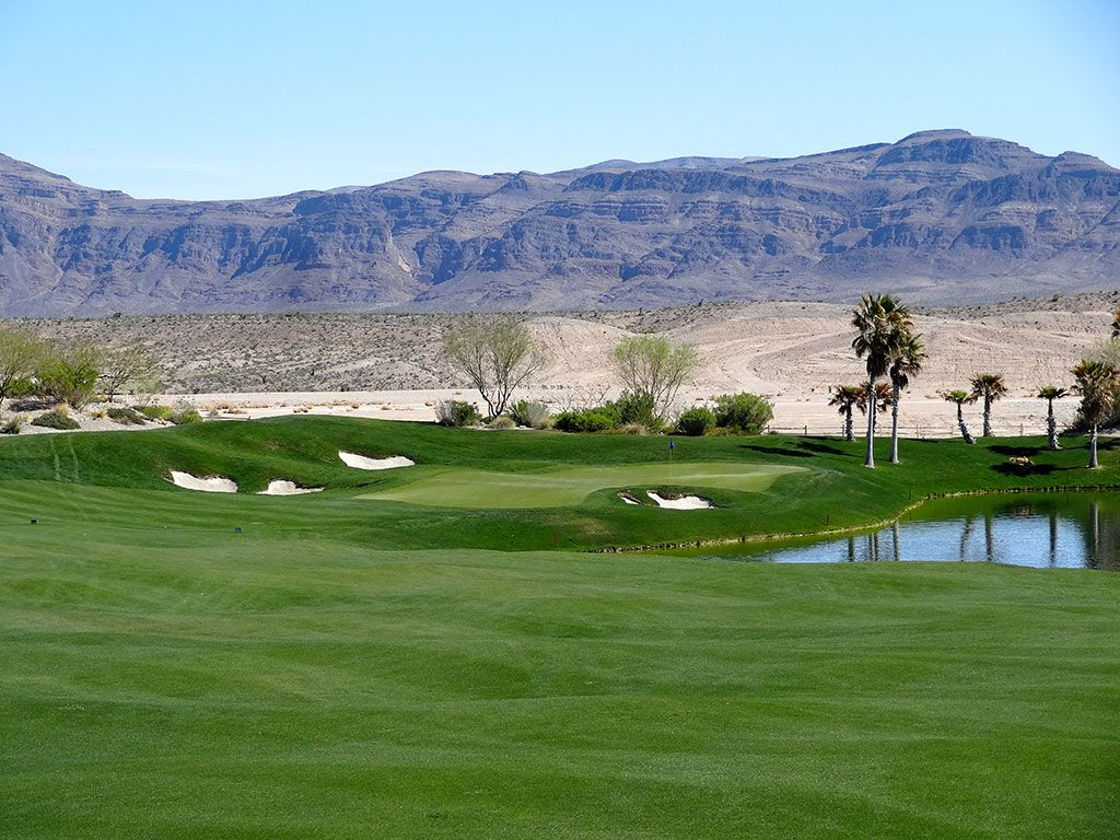 18th Hole at Coyote Springs Golf Club (463 Yard Par 4)