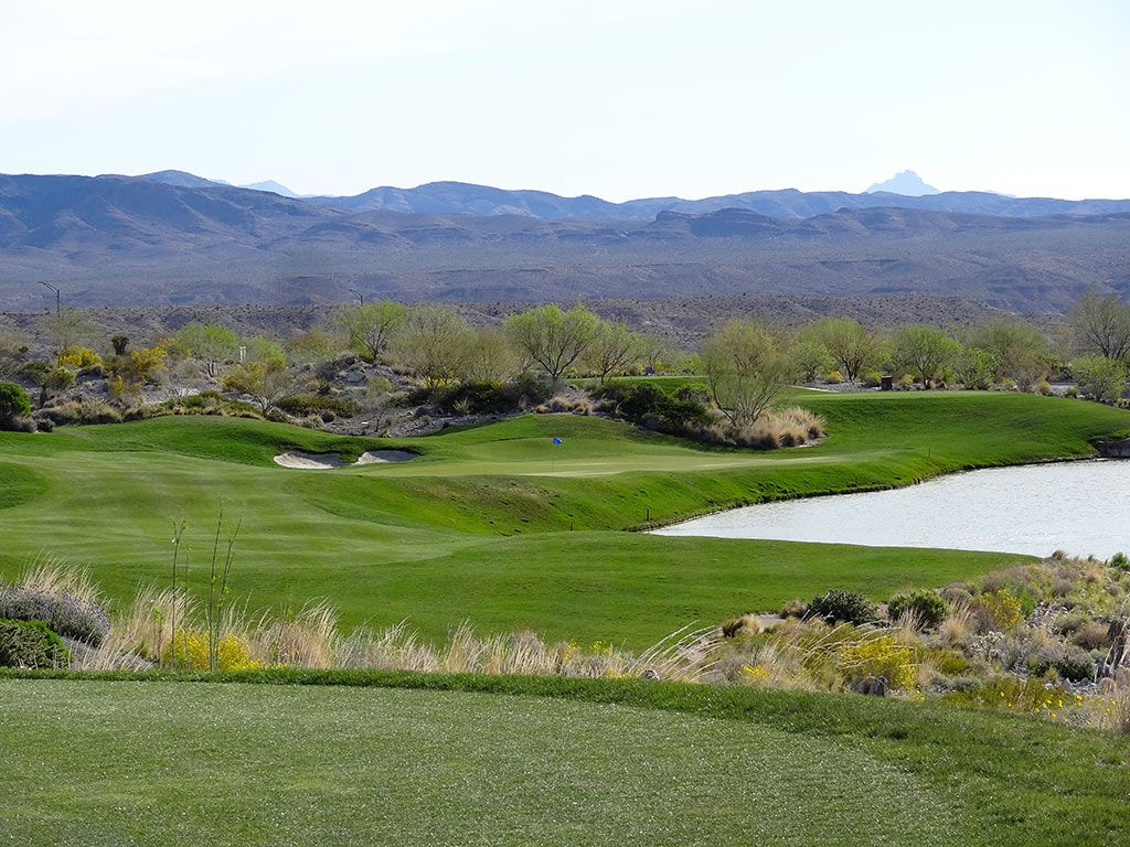 8th Hole at Coyote Springs (233 Yard Par 3)