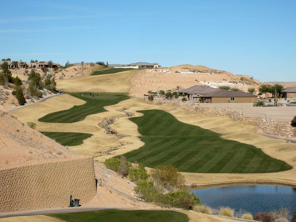 10th Hole at Falcon Ridge Golf Club (462 Yard Par 4)