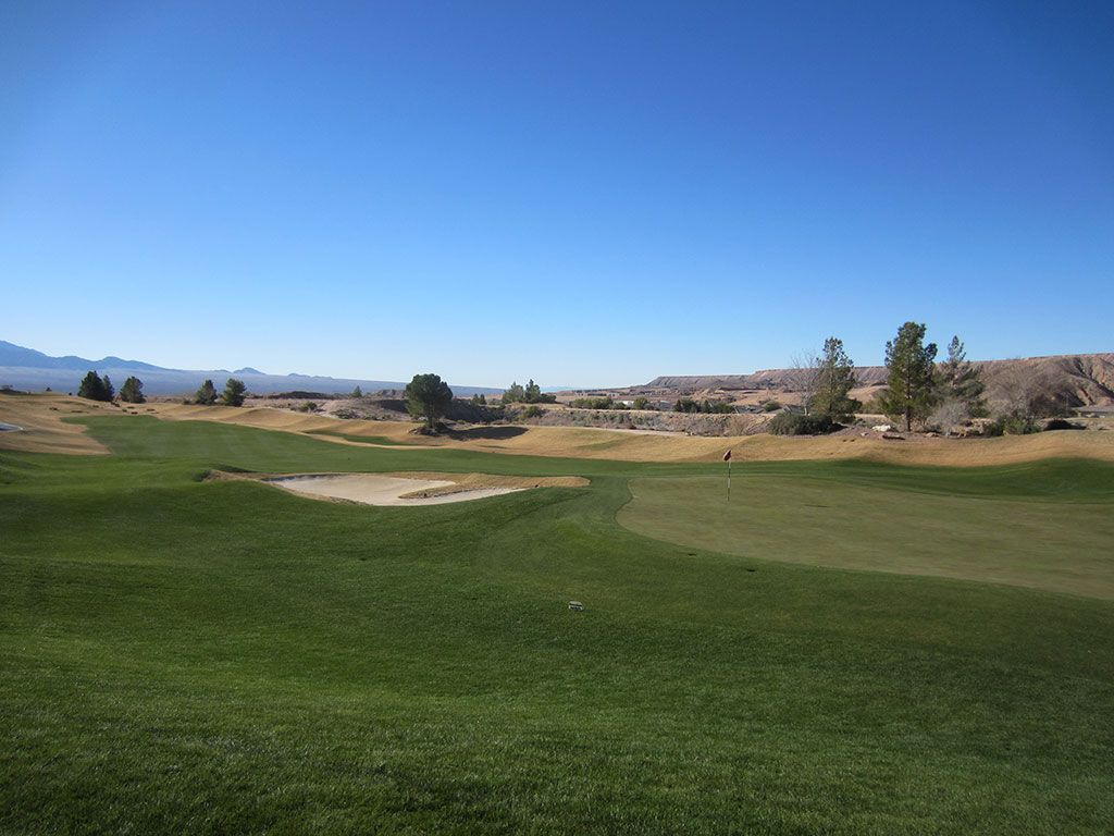 3rd Hole at Falcon Ridge Golf Club (310 Yard Par 4)