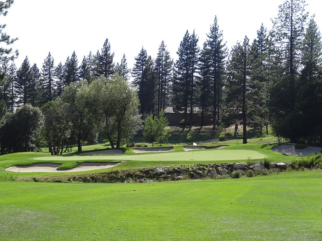 11th Hole at Incline Village (Championship) (494 Yard Par 5)