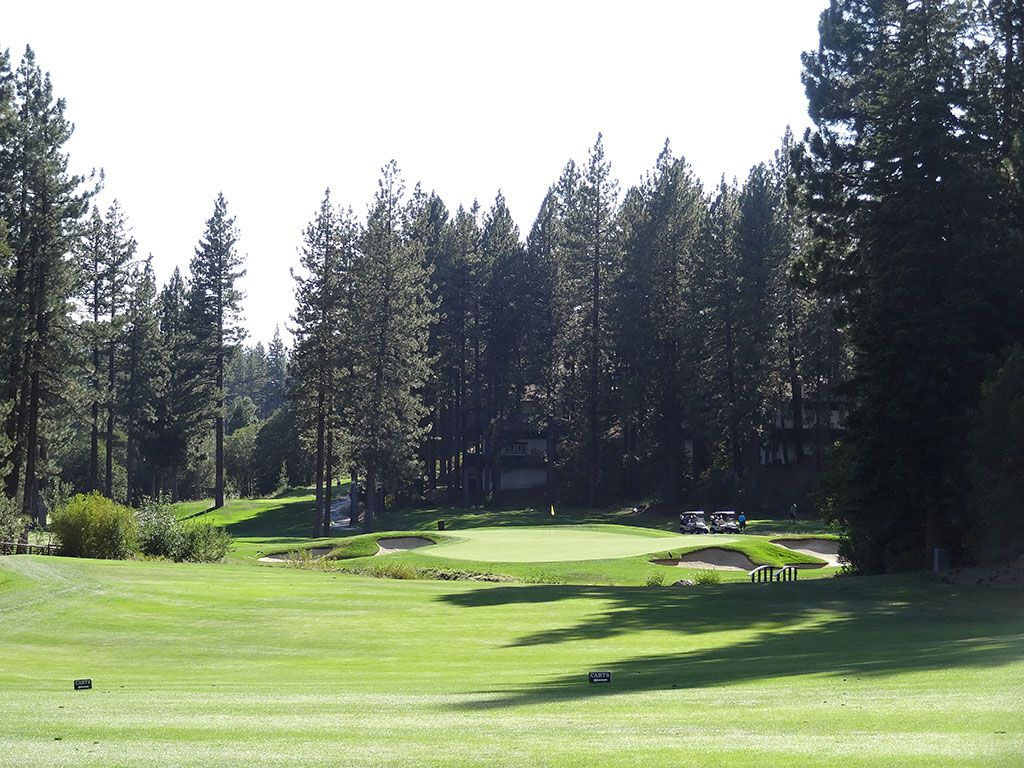 12th Hole at Incline Village (Championship) (423 Yard Par 4)