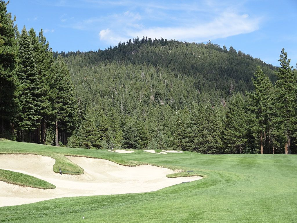 5th Hole at Incline Village (Championship) (509 Yard Par 5)