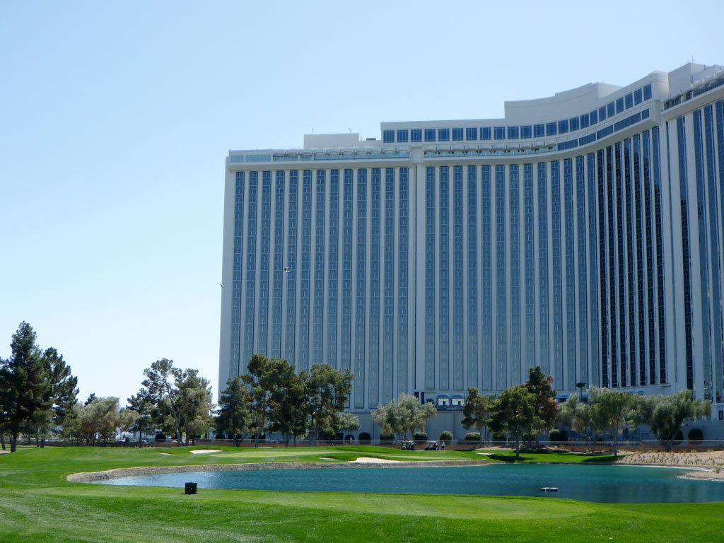 17th Hole at Las Vegas Country Club (205 Yard Par 3)