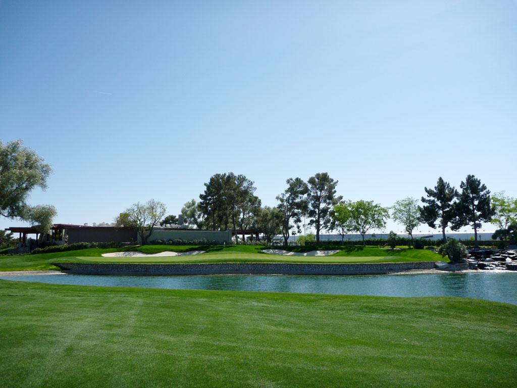 18th Hole at Las Vegas Country Club (525 Yard Par 5)