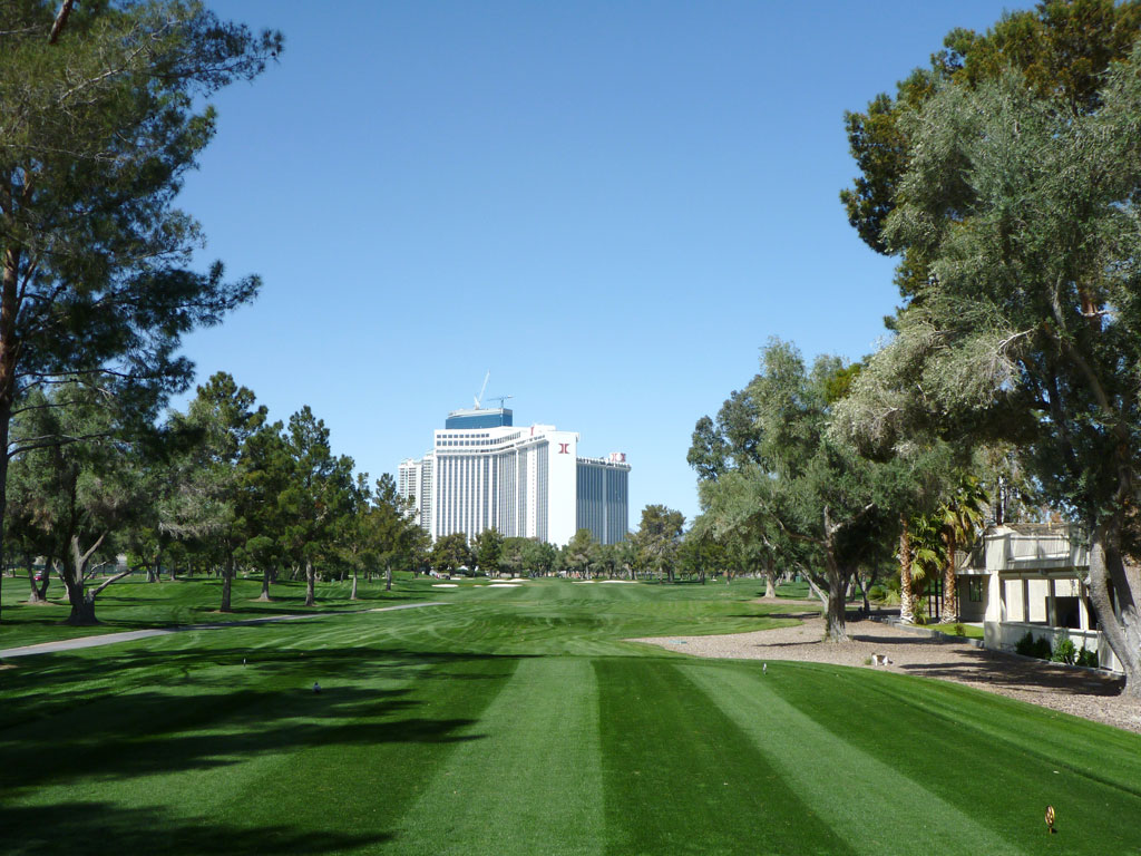 9th Hole at Las Vegas Country Club (484 Yard Par 5)