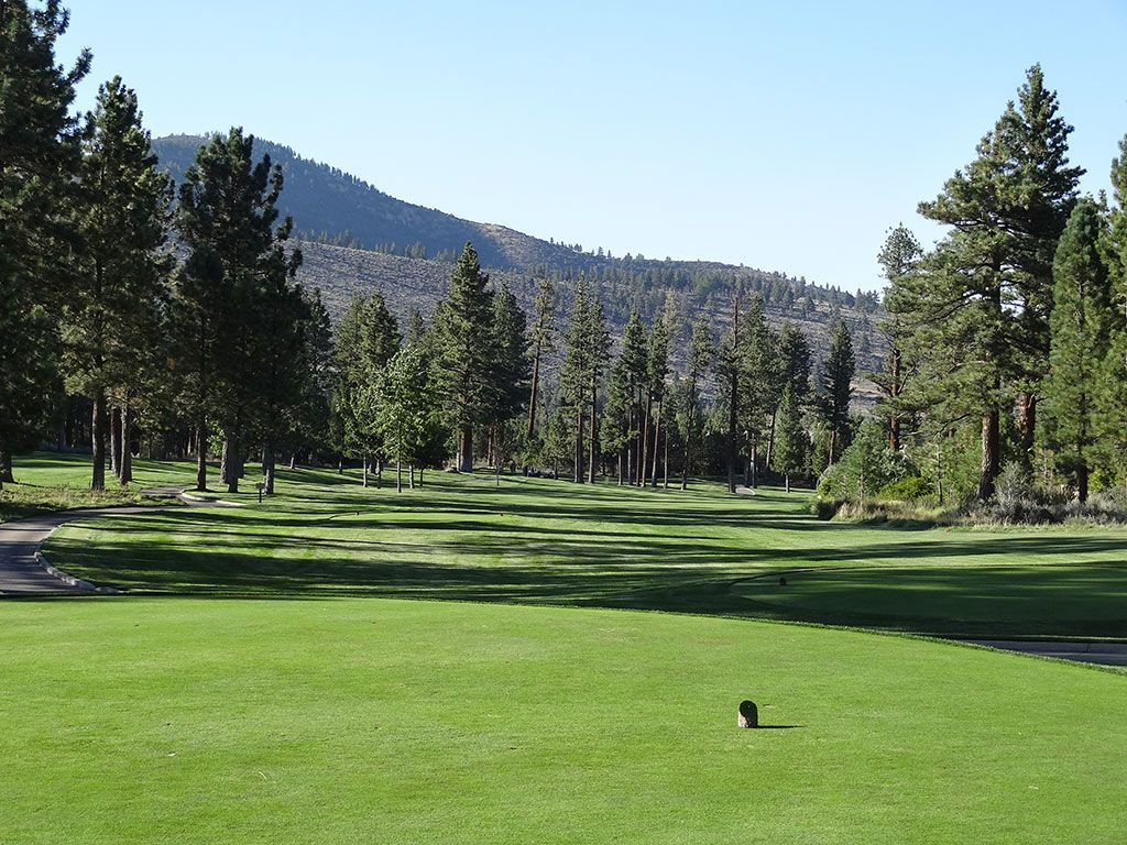 14th Hole at Montreux Country Club (367 Yard Par 4)