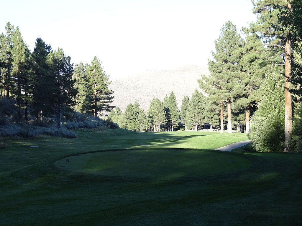 18th Hole at Montreux Country Club (616 Yard Par 5)