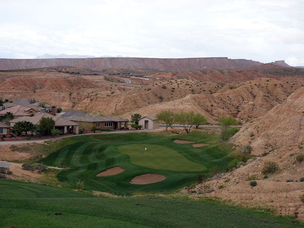 4th Hole at Oasis (Canyons) (169 Yard Par 3)