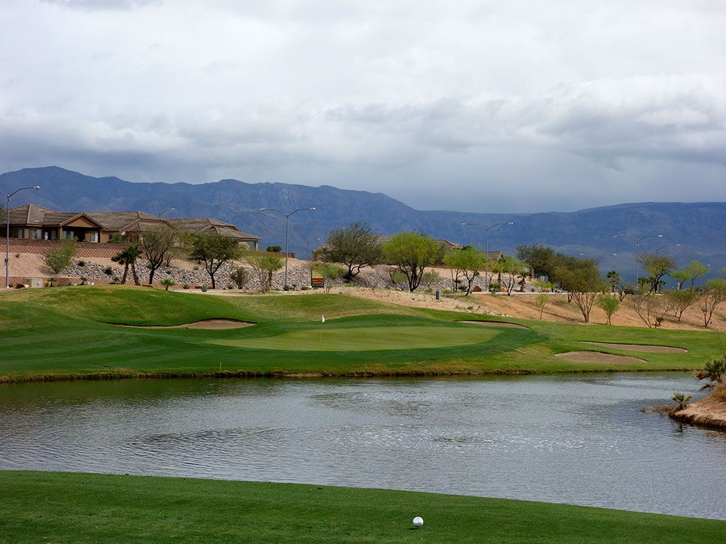 7th Hole at Oasis (Canyons) (138 Yard Par 3)
