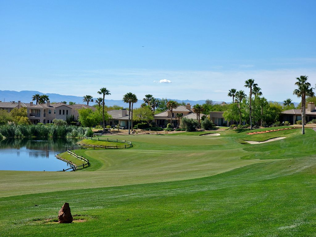 10th Hole at Red Rock Country Club (Mountain) (380 Yard Par 4)