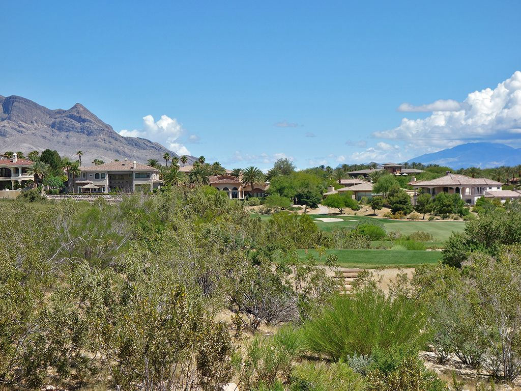 17th Hole at Red Rock Country Club (Mountain) (351 Yard Par 4)