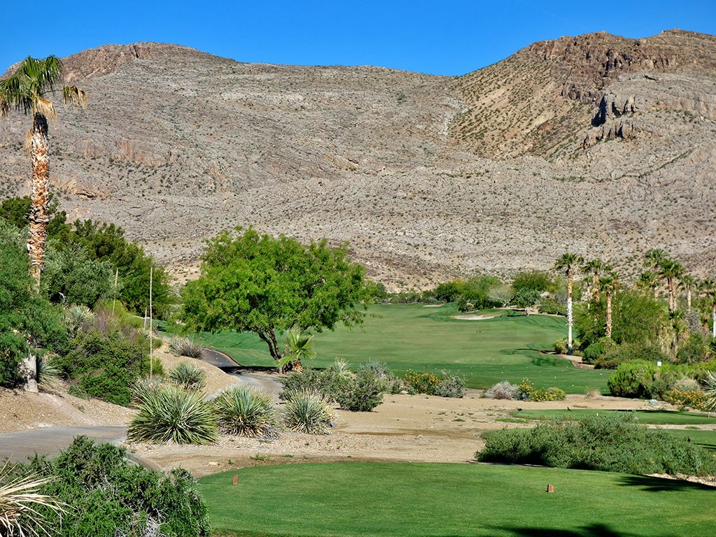 5th Hole at Red Rock Country Club (Mountain) (549 Yard Par 5)