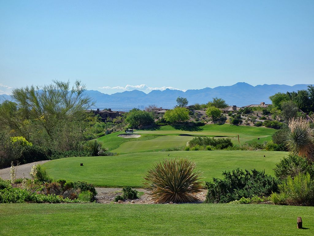 8th Hole at Red Rock Country Club (Mountain) (360 Yard Par 4)