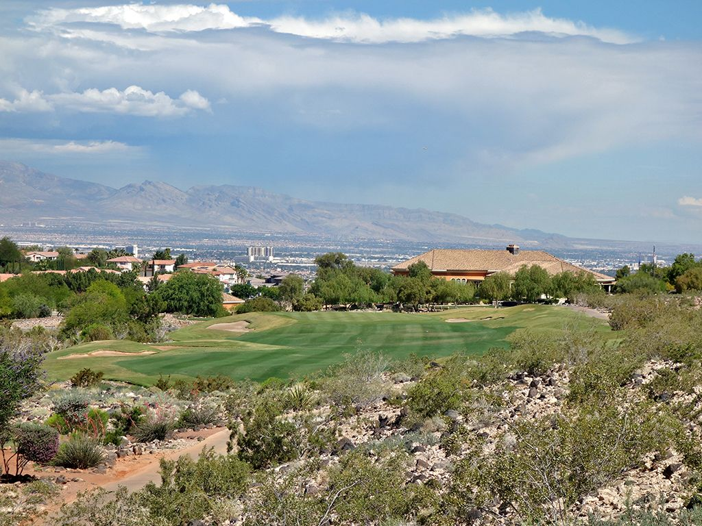 18th Hole at Rio Secco Golf Club (448 Yard Par 4)