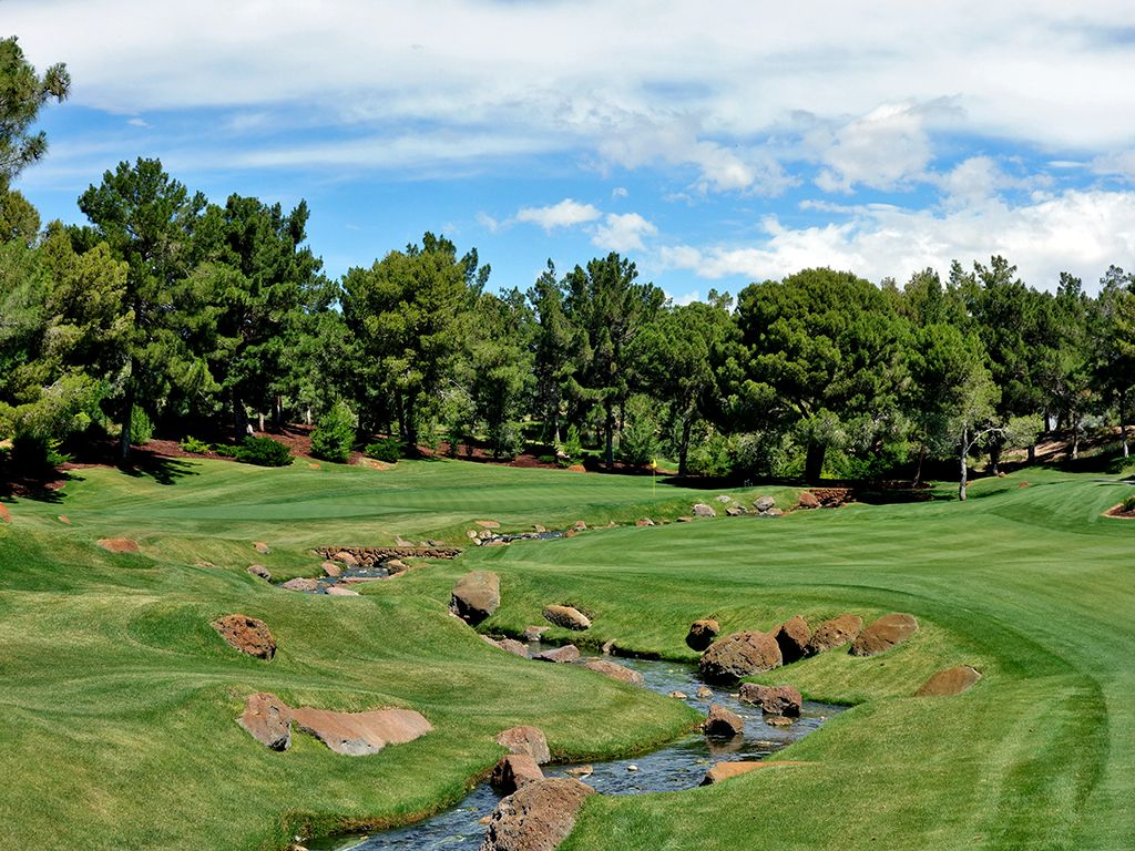 15th Hole at Shadow Creek Golf Club (482 Yard Par 4)