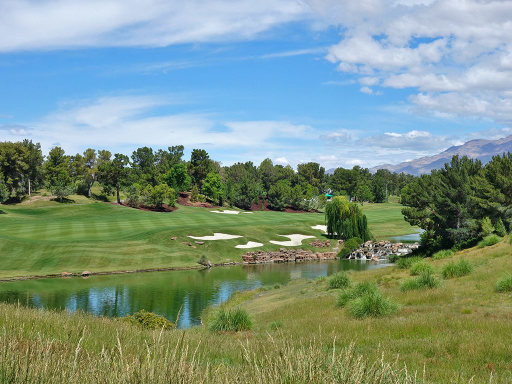 18th Hole at Shadow Creek Golf Club (529 Yard Par 5)