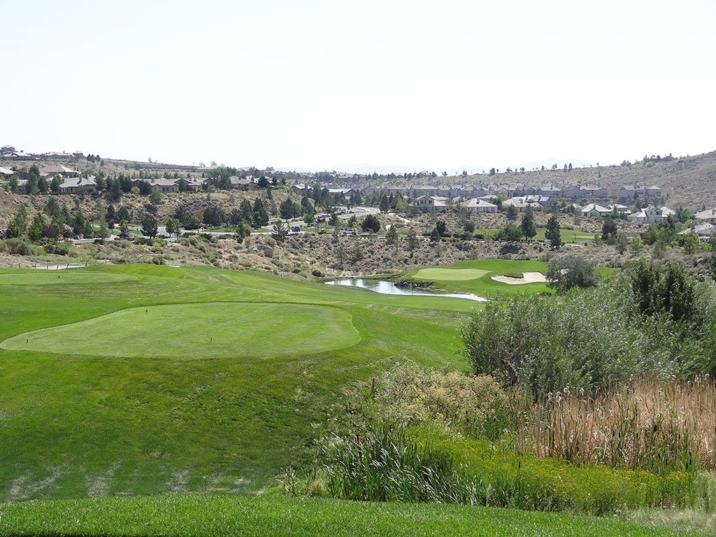 11th Hole at Somersett Golf and Country Club (371 Yard Par 4)