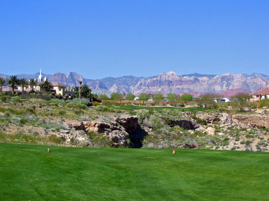 13th Hole at TPC Las Vegas (The Canyons) (423 Yard Par 4)