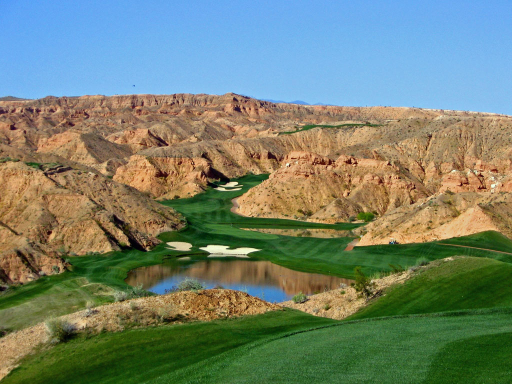 12th Hole at Wolf Creek Golf Club (560 Yard Par )