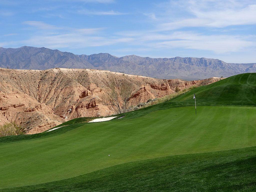14th Hole at Wolf Creek Golf Club (444 Yard Par 4)