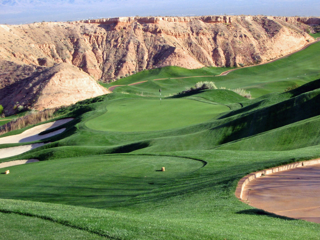 15th Hole at Wolf Creek Golf Club (125 Yard Par )