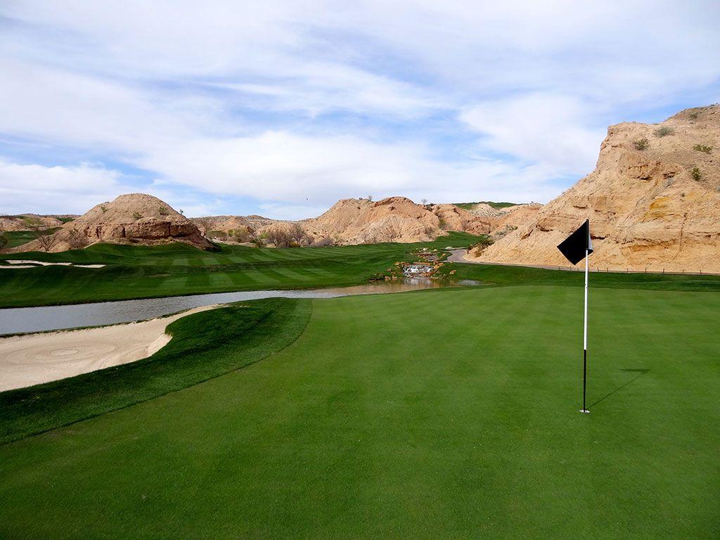 17th Hole at Wolf Creek Golf Club (562 Yard Par 5)