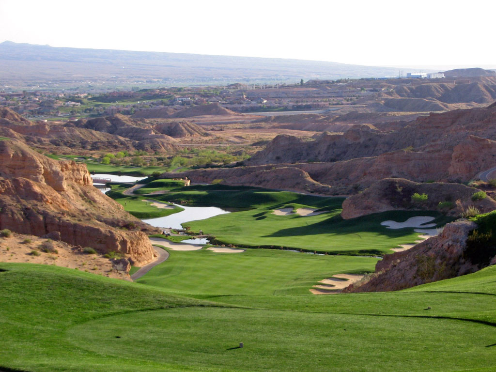 17th Hole at Wolf Creek Golf Club (562 Yard Par 5)