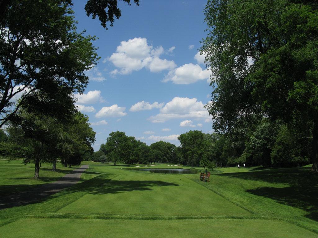 9th Hole at Baltusrol Golf Club (Upper) (356 Yard Par 4)