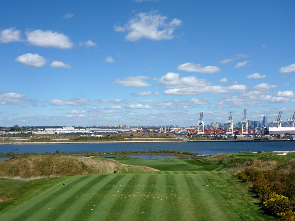 14th Hole at Bayonne Golf Club (222 Yard Par 3)