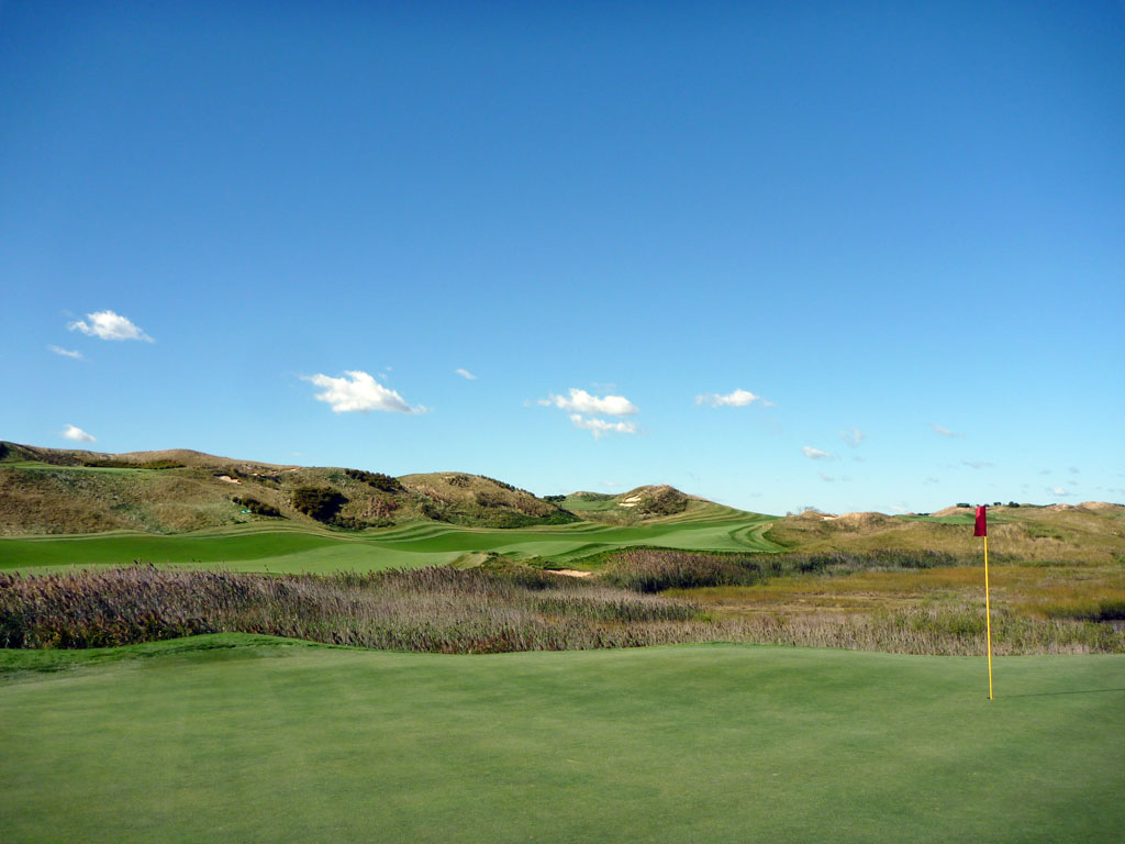 8th Hole at Bayonne Golf Club (579 Yard Par 5)