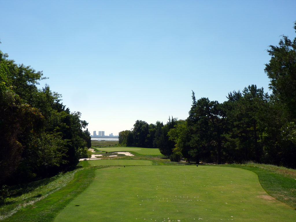 17th Hole at Galloway National Golf Club (253 Yard Par 3)