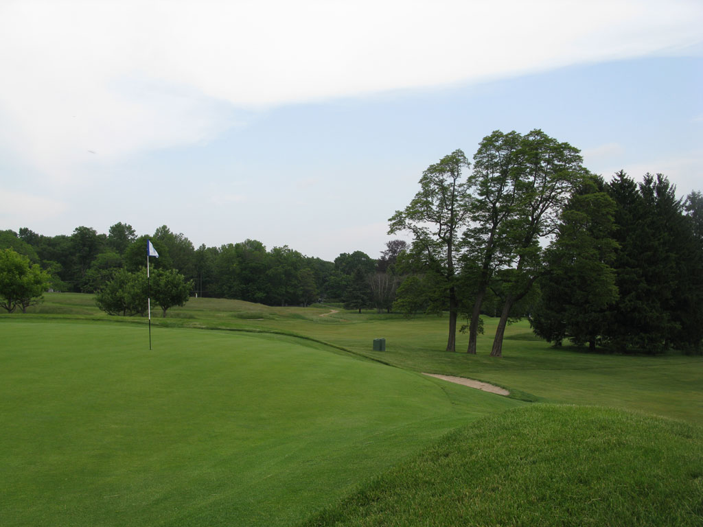 3rd (Bunker Hill) Hole at Somerset Hills Country Club (378 Yard Par 4)