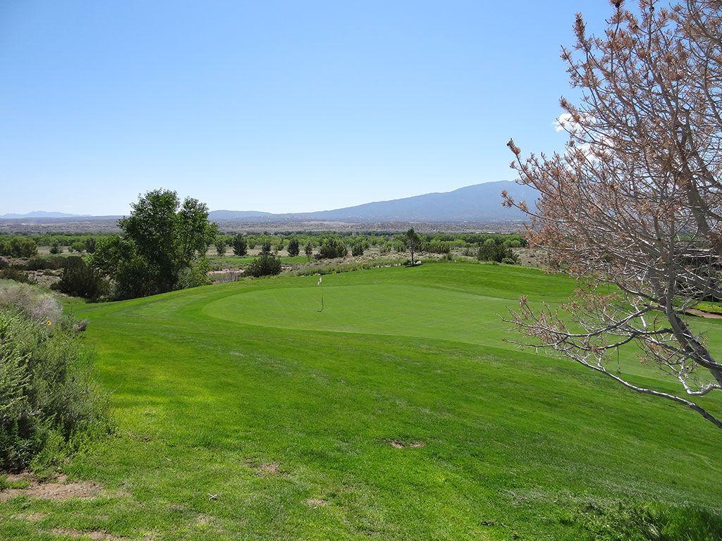 10th Hole at Twin Warriors Golf Club (483 Yard Par 4)