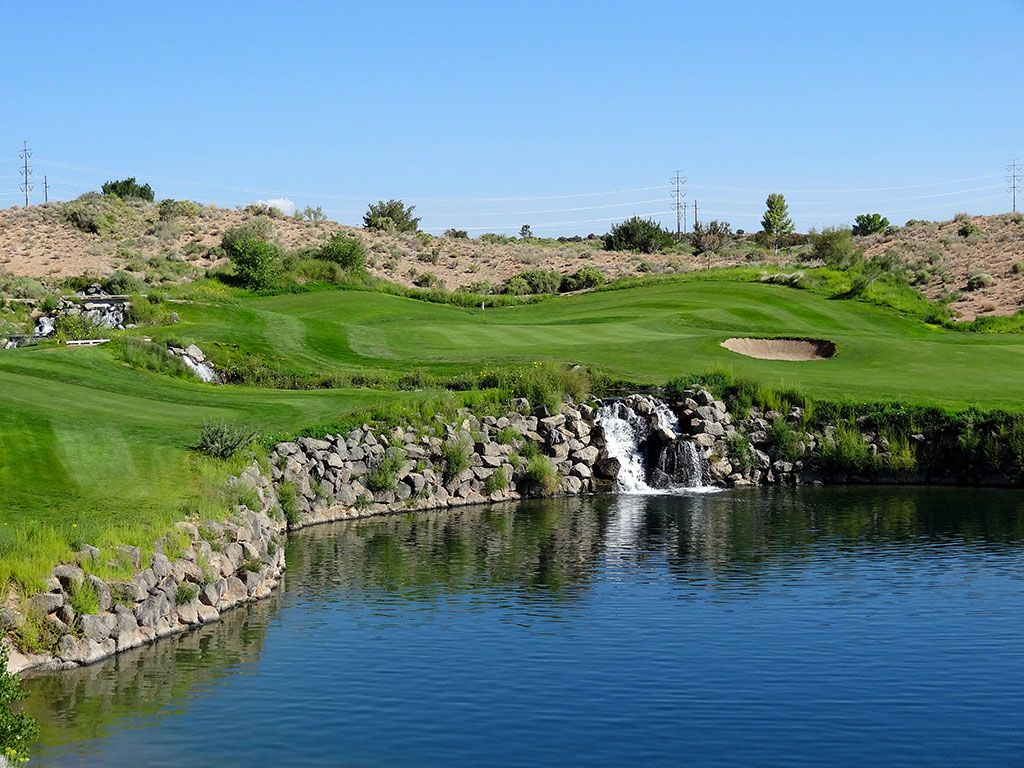 4th Hole at Twin Warriors Golf Club