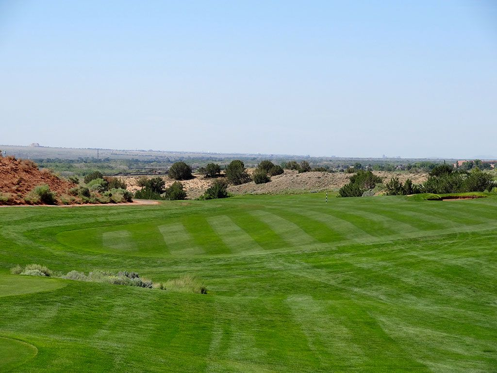 7th Hole at Twin Warriors Golf Club (489 Yard Par 4)