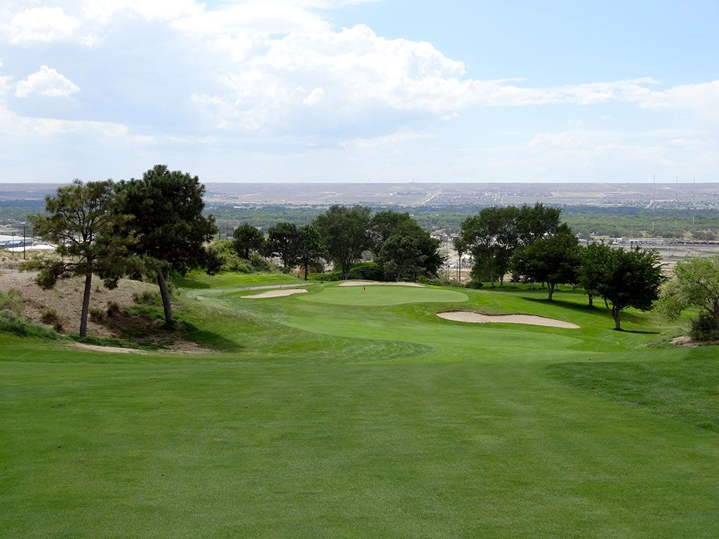 10th Hole at University of New Mexico Championship Course (520 Yard Par 4)