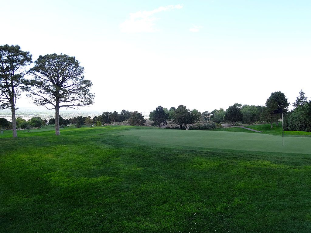 18th Hole at University of New Mexico Championship Course (560 Yard Par 5)