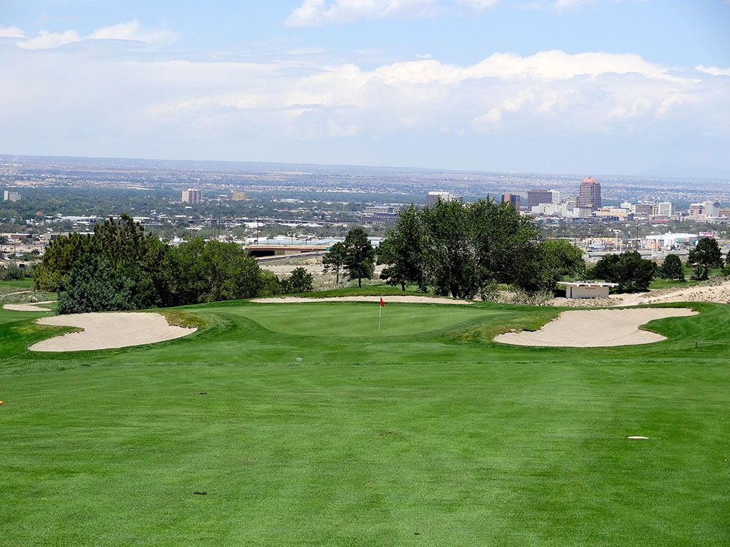 1st Hole at University of New Mexico Championship Course (539 Yard Par 5)