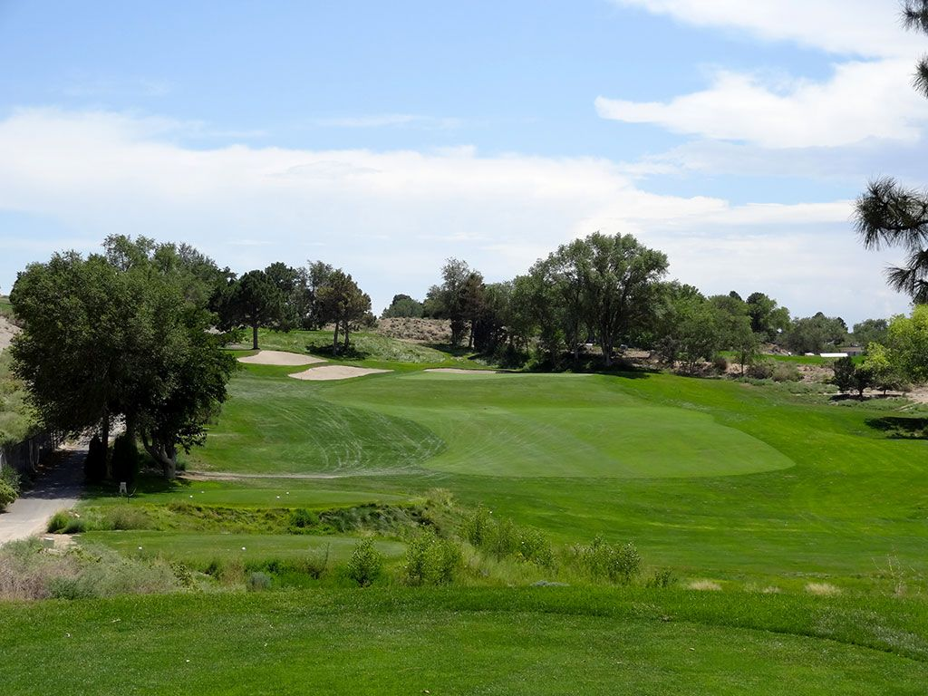 8th Hole at University of New Mexico Championship Course (260 Yard Par 3)