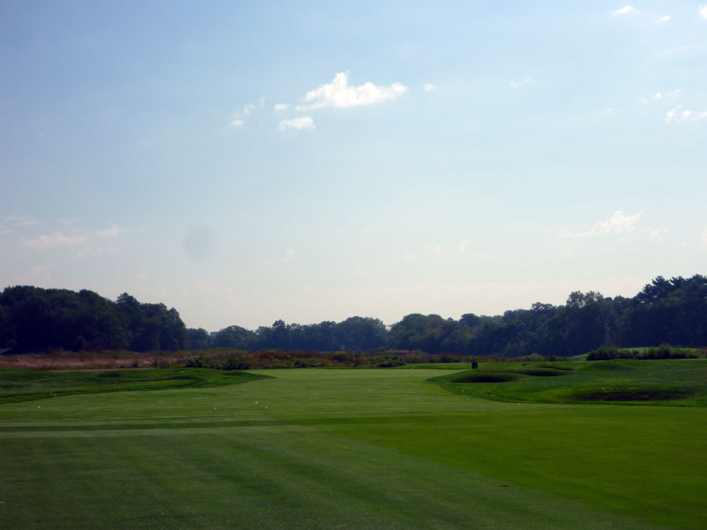 14th Hole at Garden City Golf Club (343 Yard Par 4)
