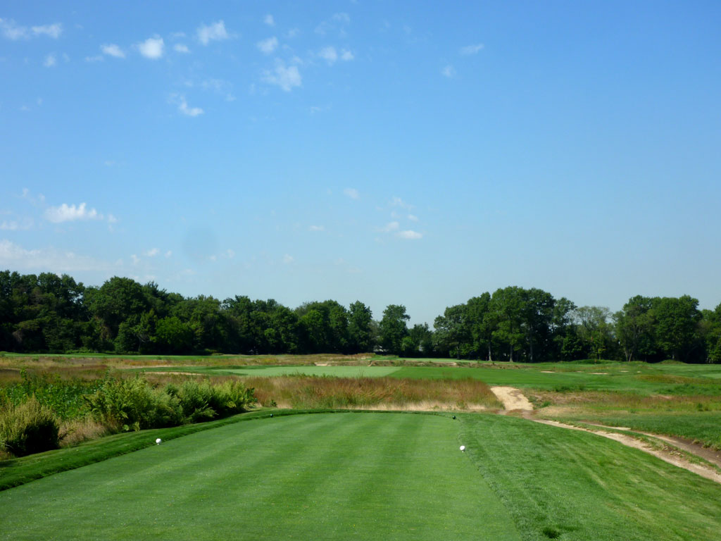 15th Hole at Garden City Golf Club (447 Yard Par 4)
